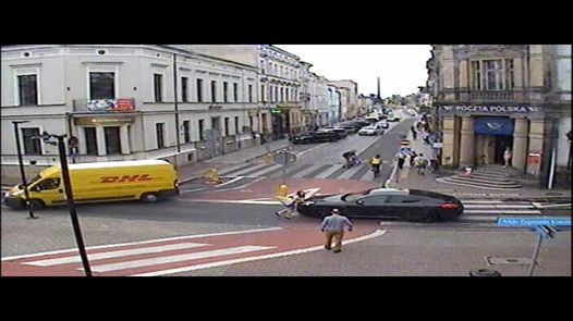Wideo1: Skandaliczne zachowanie kierowcy na przejściu dla pieszych